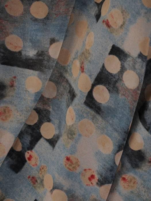 Sukienka damska z długim rękawem, zwiewna kreacja w pastelowym kolorze 27959