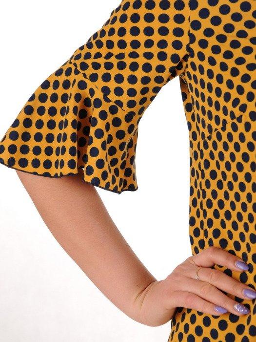 Sukienka w groszki, musztardowa kreacja w luźnym fasonie 20386.