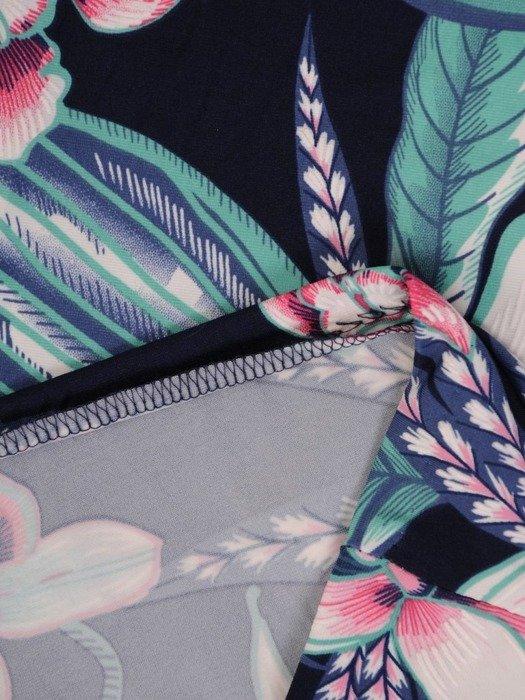 Sukienka w kwiaty, prosty fason z dekoltem w serek 25729