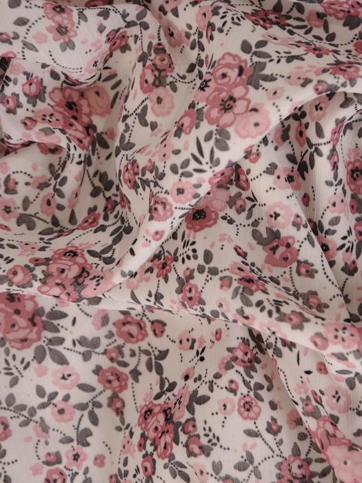 Sukienka w kwiaty, szyfonowa sukienka z ozdobnymi rękawami 22103.