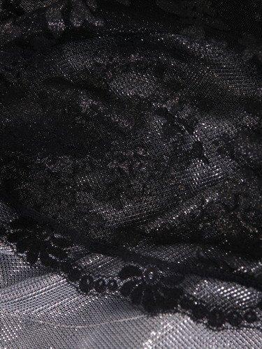 Sukienka wieczorowa Alexa II, wyszczuplający fason z koronki.