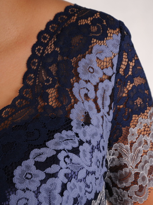 Sukienka wieczorowa Żanetta, stylowa kreacja z koronki i szyfonu.