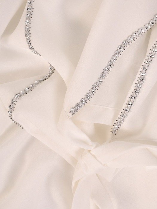 Sukienka wyjściowa, biała kreacja z ozdobnymi wstawkami 26264