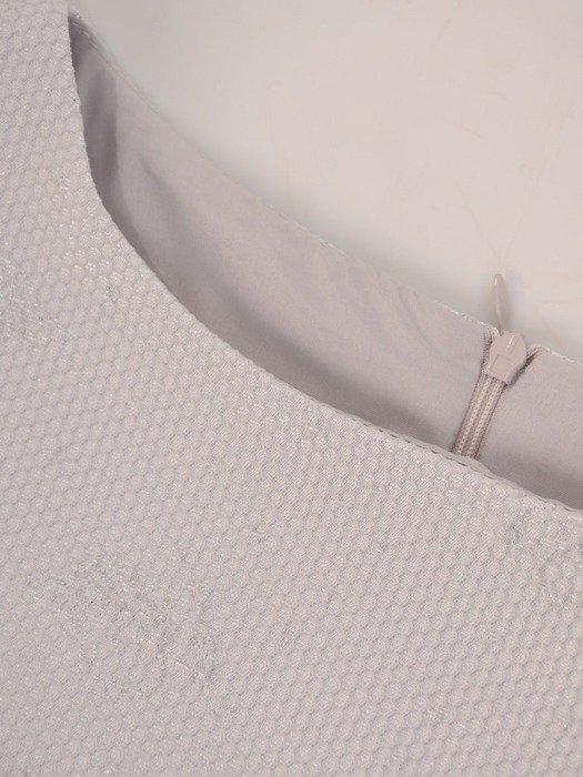 Sukienka wyjściowa, elegancka kreacja z żakardowej tkaniny 26018