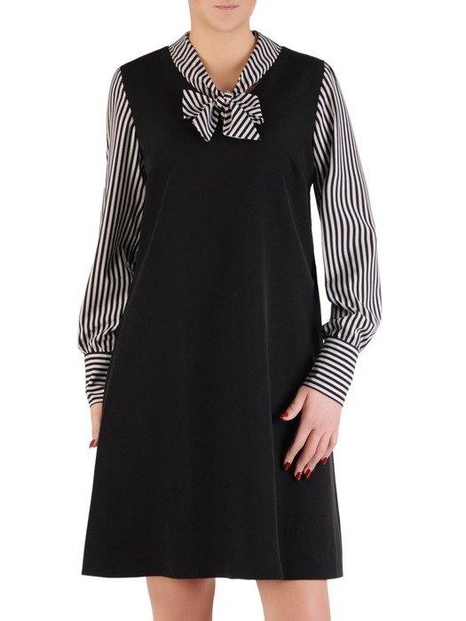 Sukienka z dekoracyjną stójką, kreacja z modnymi wstawkami 19599