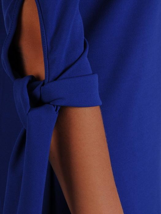 Sukienka z dzianiny, chabrowa kreacja z wiązaniem na rękawach 23021