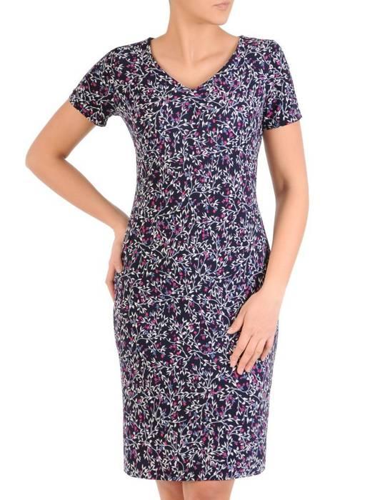 Sukienka z dzianiny, prosta kreacja w oryginalnym wzorze 28821