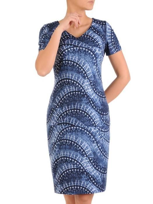 Sukienka z dzianiny, prosta kreacja w oryginalnym wzorze 28823