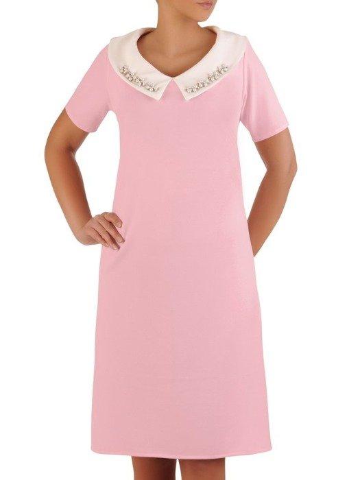 Sukienka z dzianiny, wyszczuplająca kreacja z kołnierzem 25938