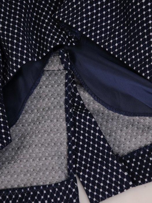 Sukienka z kominem Krystyna VIII, jesienna kreacja w wyszczuplającym wzorze.