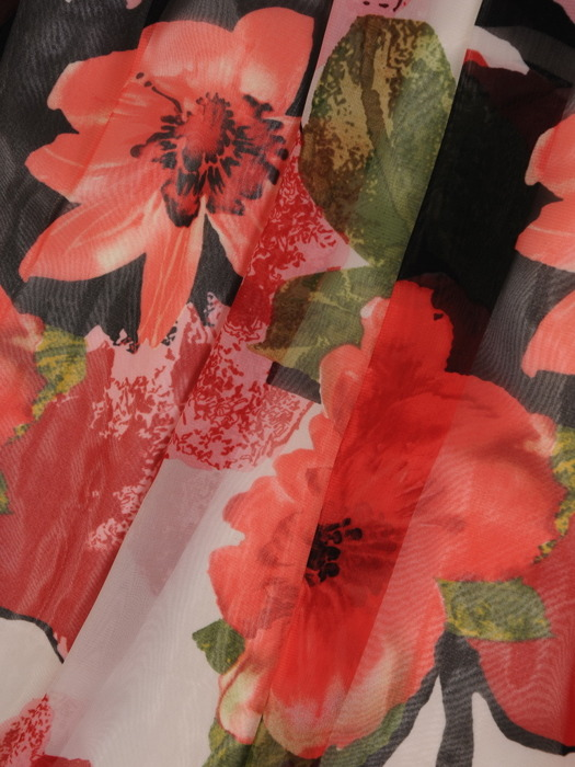 Sukienka z szyfonu, zwiewna kreacja w kwiaty 21590.