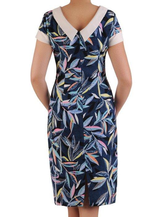 Sukienka z tkaniny, granatowa kreacja w kolorowe liście 20384.