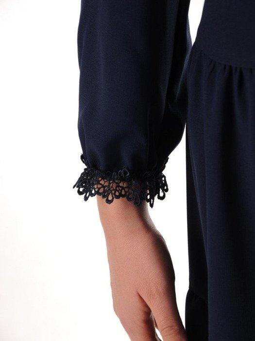 Sukienka z tkaniny o trapezowym kroju z modnymi wstawkami z koronki 25090