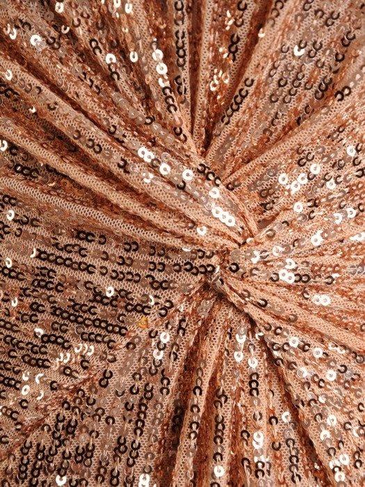 Sylwestrowa sukienka wyszczuplająca, kreacja zdobiona cekinami 24257