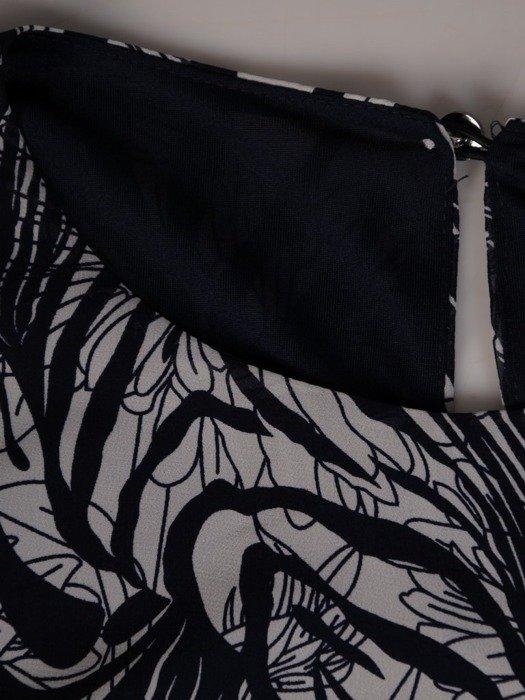 Szyfonowa sukienka o trapezowym kroju, kreacja z oryginalnym nadrukiem 25264