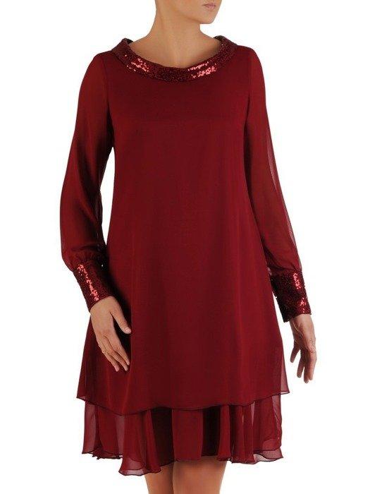 Szyfonowa sukienka z cekinowymi wstawkami, bordowa kreacja z falbaną 23566