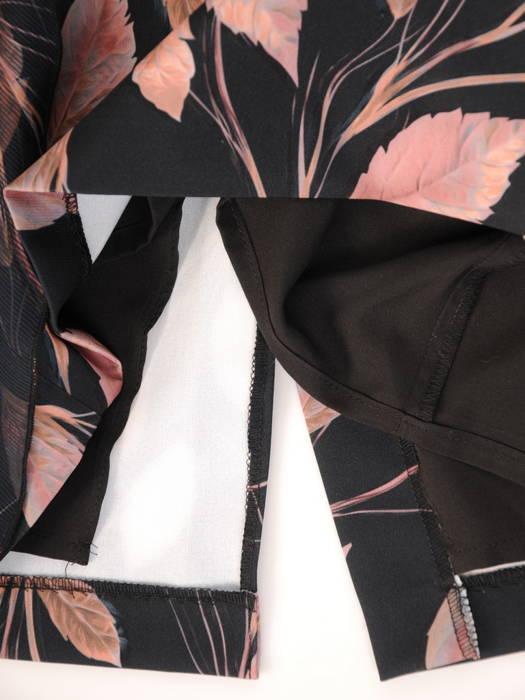 Wyjściowa sukienka ze skośną baskinką z szyfonu 30613