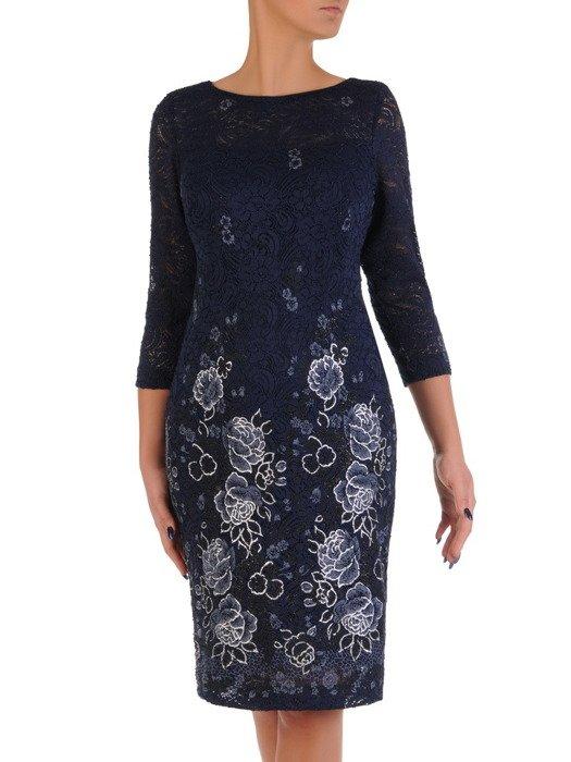 Wyszczuplająca sukienka z wzorzystej koronki 18240, wieczorowa kreacja z połyskiem.