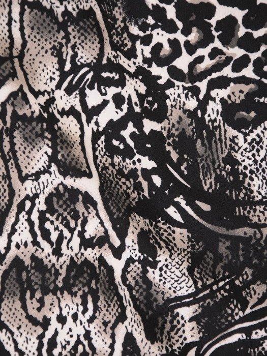 Wzorzysta bluzka z modną stójką 18206.
