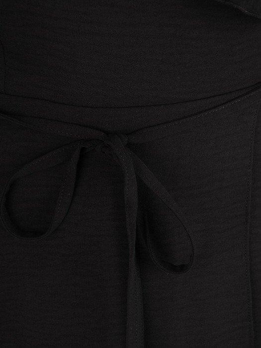 Zwiewna sukienka o kopertowym kroju, wieczorowa kreacja z żabotem 18830
