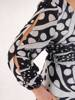 Elegancka sukienka maxi, kreacja z ozdobnymi rozcięciami na rękawach 28388