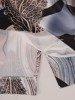 Prosta sukienka z ciekawym wzorem, wiosenna kreacja z guzikami 25385