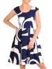 Rozkloszowana sukienka w kontrastowy wzór 29803