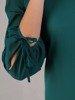 Sukienka wizytowa, zielona kreacja z oryginalnym wykończeniem 24187